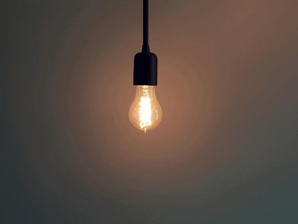 Como reduzir o consumo de energia elétrica e gastar menos na conta de luz