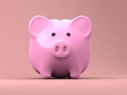 Imagem de um cofrinho representando o conteúdo sobre como conseguir dinheiro rápido