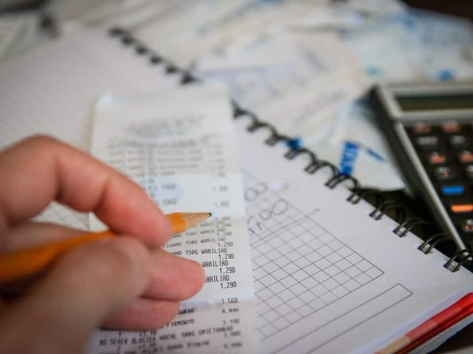 Conheça os 4 melhores cursos de planejamento financeiro pessoal para organizar as finanças