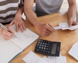 Passo a Passo de como sair das dívidas rapidamente + 12 Dicas Extras