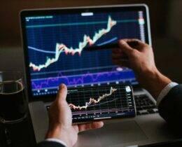 Toro Investimentos é confiável? Descubra se essa corretora é segura e boa para você investir.