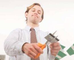 Como negociar dívidas: 11 Dicas para limpar o nome de forma simples e prática
