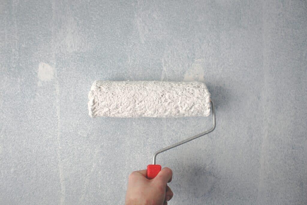 Rolo para pintar parede DIY