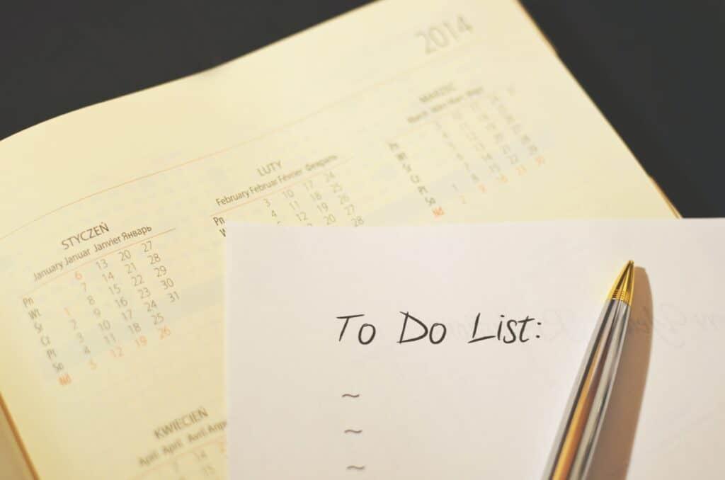 Imagem de um to do list para quem quer saber como economizar dinheiro