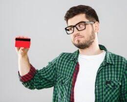 O que é CVV do cartão de crédito? Descubra para que serve esse número do código de segurança!
