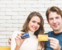 O que é o cartão adicional? Descubra e conheça os principais bancos com essa opção!