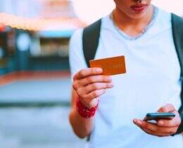 Cartão de crédito para estudantes: guia de benefícios, taxas e como solicitar