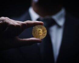 Como ganhar dinheiro com Bitcoin? Conheça agora as principais formas!