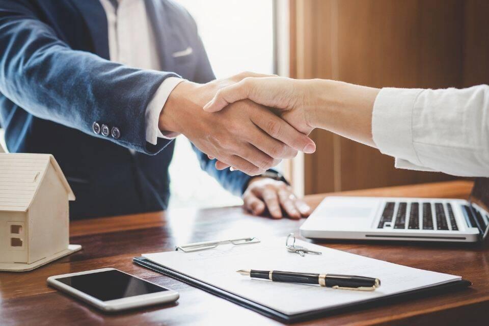 No empréstimo com garantia de imóvel, o imóvel é analisado antes de ser dado como garantia.